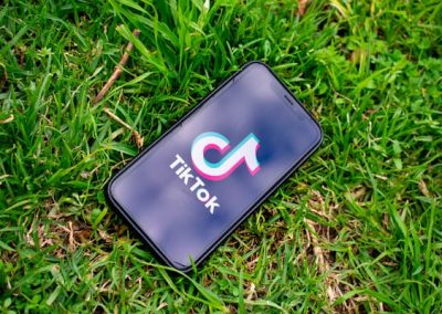 Trending Features on TikTok – Diverse Discussion Dissected