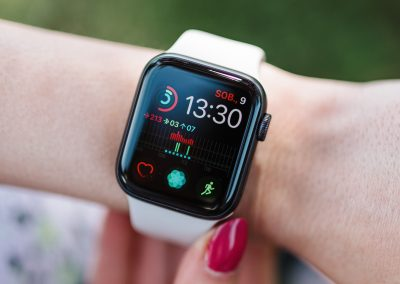 """Intelligent Timekeeping: Which Smartwatch Brands """"Sync"""" with Diverse Users?"""